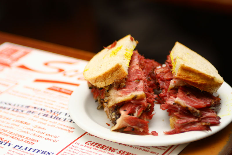 smoked-meat-sandwich-montreal-food-trends-classics